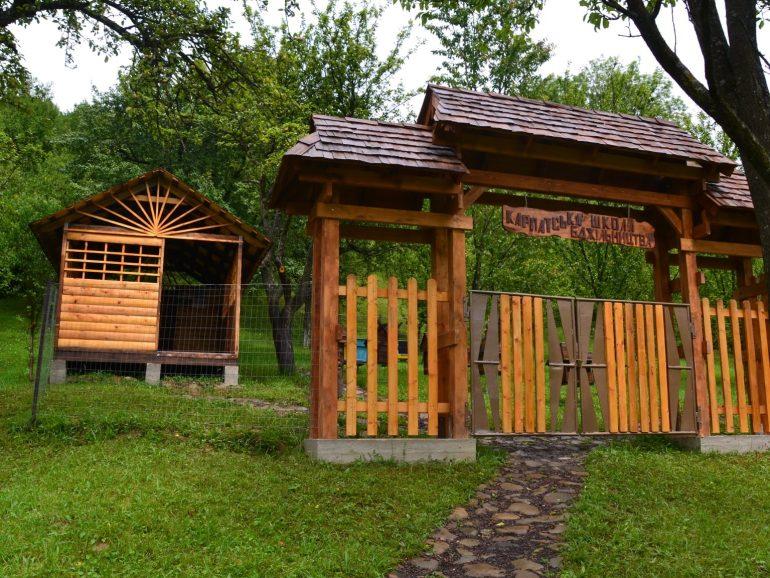 Бджолине «село» у Колочаві