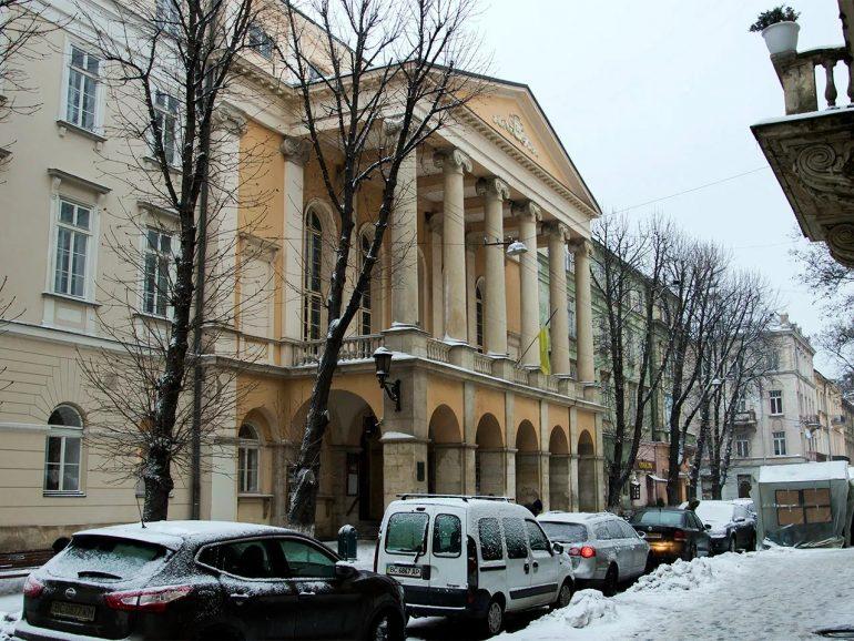 Посольство Японії підтримало проєкт Асоціації щодо модернізації світлового обладнання в театрі імені Марії Заньковецької