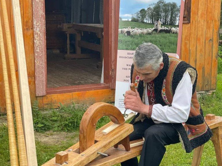 Секрети виготовлення трембіт дізнавались на майстер-класі на Косівщині