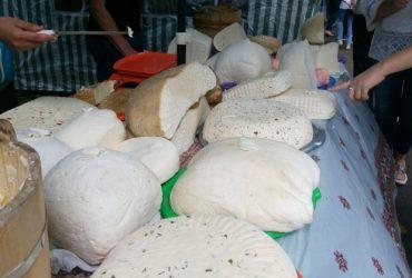 Унікальний продукт з з овечого молока, що виготовляють на високогірних полонинах
